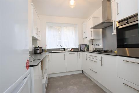 2 bedroom flat to rent - Lamont House, Lambridge Street, Bath, BA1