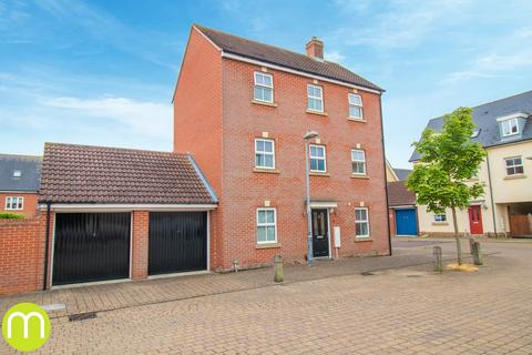 4 bedroom detached house for sale - John Mace Road, Colchester, CO2
