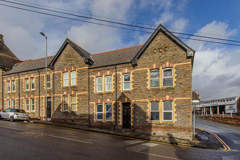 2 bedroom flat to rent - Queens Chambers, Newport