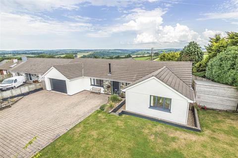 3 bedroom detached bungalow for sale - St Mabyn, Nr Wadebridge