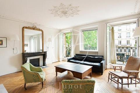 3 bedroom apartment - PARIS, 75003