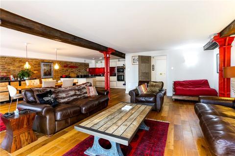 2 bedroom flat for sale - St Saviours Wharf, Mill Street, London, SE1