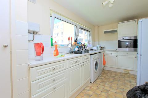 3 bedroom flat to rent - Highbrooke Close , Brighton BN2