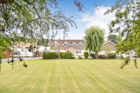 5 bedroom detached house for sale - Braydon Road, Braydon, Wiltshire