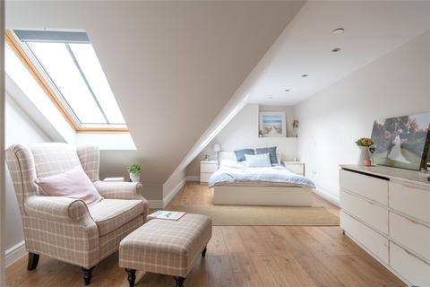 3 bedroom flat for sale - 42/8 Brunswick Street, Edinburgh, EH7