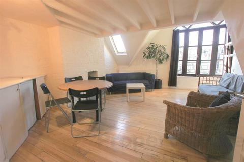 3 bedroom flat to rent - Archway Road, Highgate