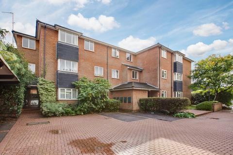 2 bedroom flat for sale - Beaconsfield Mews, Holtspur Top Lane, Beaconsfield, HP9