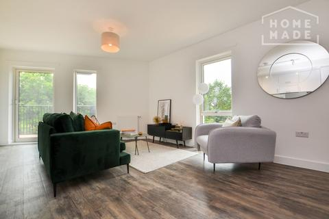 2 bedroom flat to rent - Millet Place, Royal Docks, E16
