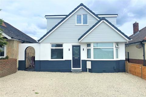 4 bedroom detached bungalow for sale - Walton Road, Poole, Dorset, BH15