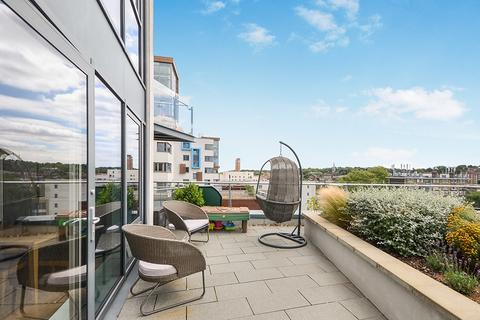 3 bedroom apartment for sale - John Donne Way Greenwich SE10