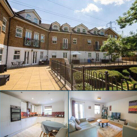 2 bedroom flat for sale - Old Mill Place, Wraysbury, TW19
