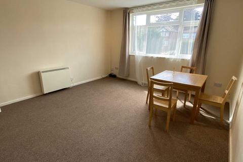 2 bedroom flat to rent - Middleton Court, Middleton Road
