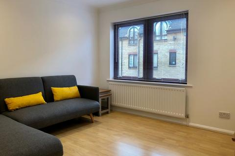 3 bedroom terraced house to rent - Welland Mews, London, E1W