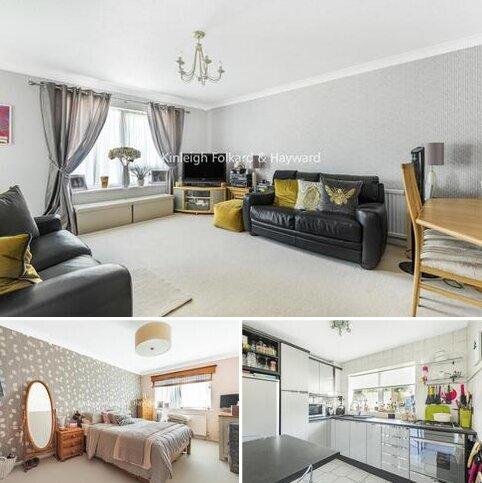 2 bedroom flat for sale - Freshfield Drive, Southgate