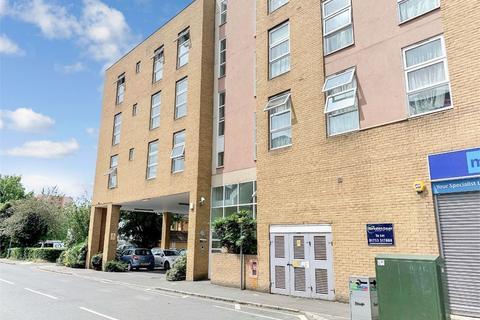 3 bedroom flat to rent - Burlington Road, Slough, Berkshire