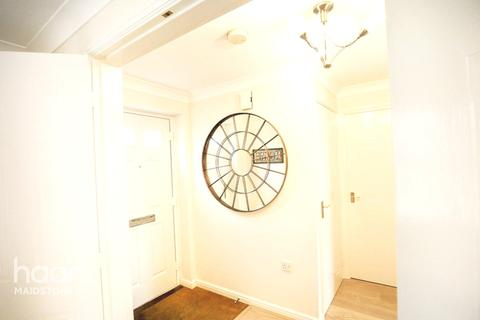 3 bedroom terraced house for sale - 33 Freshland Road, Maidstone ME16 0WH