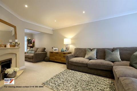 3 bedroom semi-detached house for sale - Staplehurst Avenue, Leicester