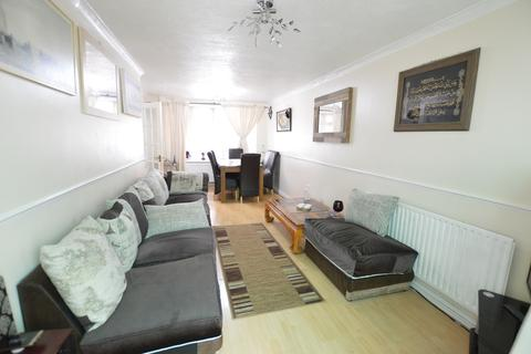 3 bedroom end of terrace house for sale - Marescroft Road, Slough