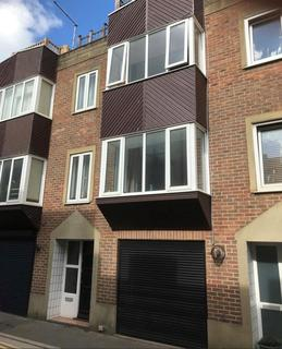 3 bedroom terraced house to rent - Vine Street, Brighton