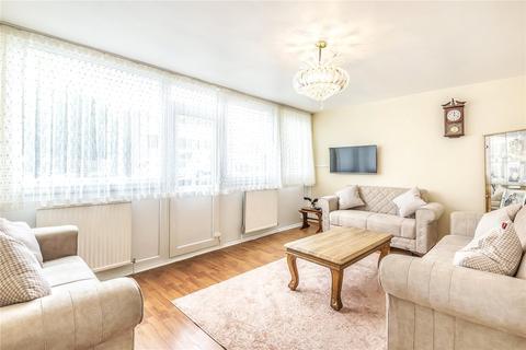 3 bedroom flat for sale - Campsfield Road, London, N8