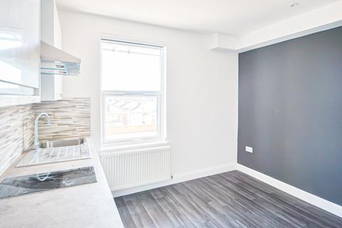 Studio to rent - Stamford Hill, London N16