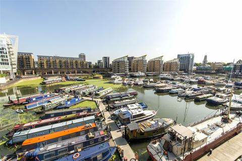 2 bedroom apartment to rent - Goodhart Place, E14
