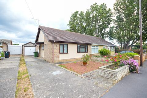 2 bedroom semi-detached bungalow for sale - Brooke Avenue, Caister-On-Sea