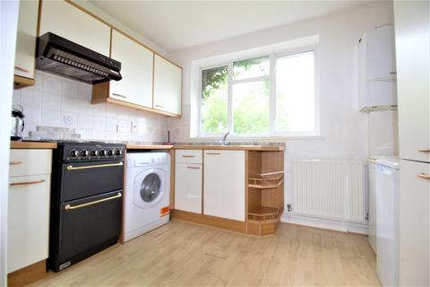 2 bedroom maisonette to rent - Baker Street, Potters Bar