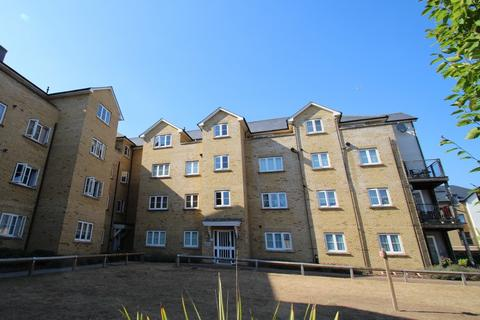 2 bedroom apartment to rent - Gilbert Court, Clarendon Way, Colchester, CO1 1DL
