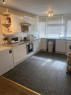 2 bedroom flat for sale - Blacksmiths Lane, Orpington, Kent, BR5 4EW