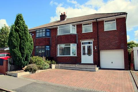 4 bedroom semi-detached house for sale - Clough Meadow, Woodley