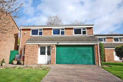 4 bedroom detached house for sale - Hartlebury Way, Charlton Kings, Cheltenham, Gloucestershire, GL52