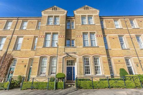 4 bedroom terraced house for sale - Upgrade to Brigade !!!