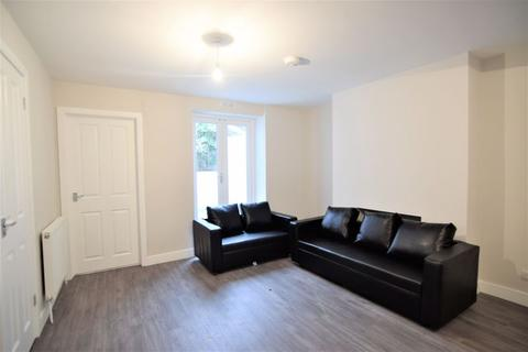 2 bedroom ground floor flat - Campbell Road, Brighton
