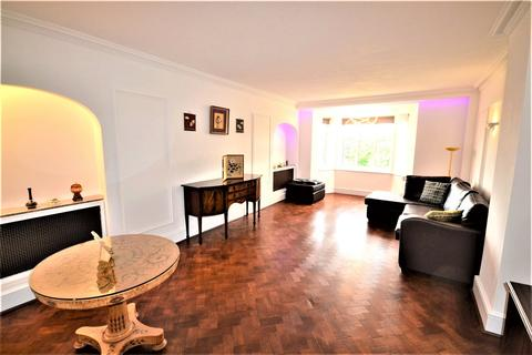 4 bedroom flat to rent - Haven Green Court, Haven Green, Ealing, W5