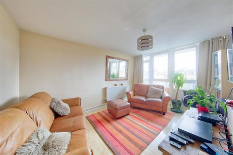 2 bedroom house for sale - Tulse Hill, London