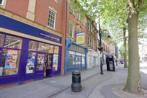 Shop to rent - 26-34 Bridge Street - Communal, Warrington, Cheshire