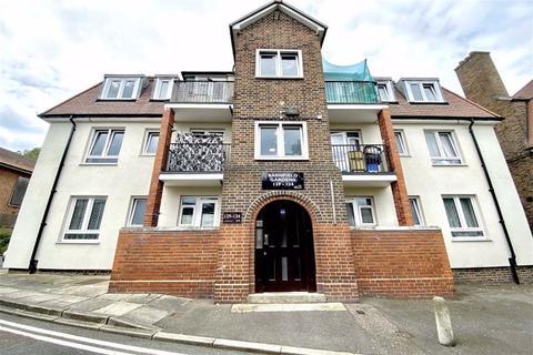 2 bedroom flat for sale - Barnfield Gardens, Plumstead, London, SE18