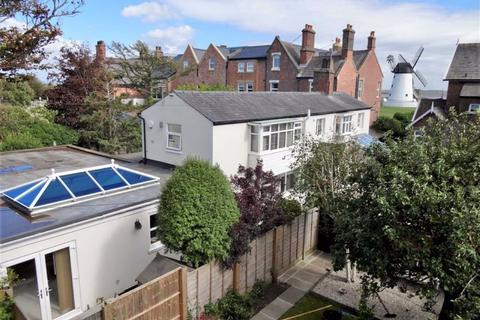 3 bedroom detached house for sale - South Warton Street, Lytham