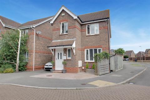 3 bedroom house for sale - Essenhigh Drive, Worthing