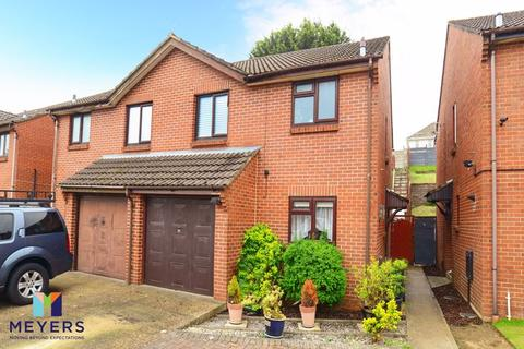 3 bedroom semi-detached house for sale - Tollard Close, Parkstone, Poole BH12