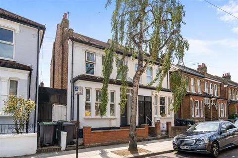 2 bedroom flat for sale - Lyndhurst Road, Wood Green, N22