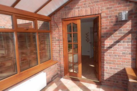 3 bedroom terraced house to rent - 1 Rosewood Gardens, Gatley, SK8 4GR