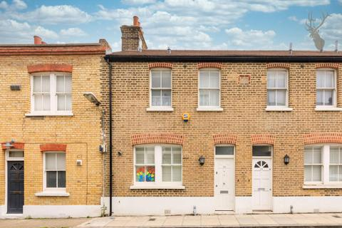 3 bedroom terraced house for sale - Douro Street, Bow,  London