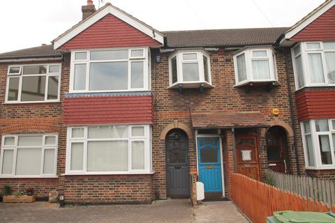 3 bedroom maisonette to rent - Rowan Crescent, Streatham, SW16