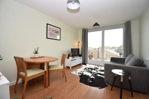 1 bedroom flat for sale - Ashmore Road London SE18