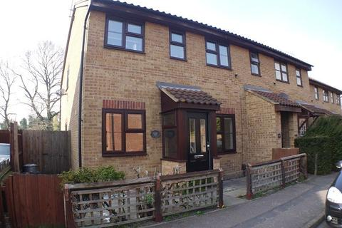 2 bedroom ground floor flat to rent - Osprey Close, Wanstead, London, Greater London. E11