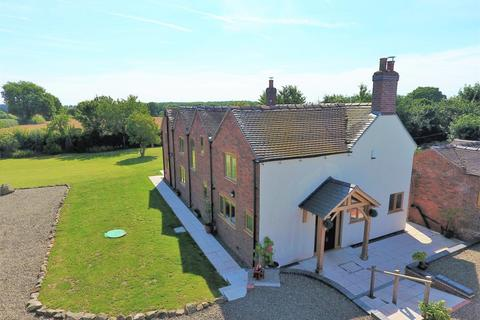 5 bedroom country house for sale - HAVEN COTTAGE, HEATH ROAD, BROMSTEAD, TF10 9DJ