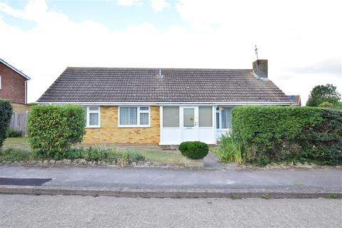 3 bedroom detached bungalow for sale - Columbia Avenue, Whitstable, Kent