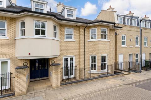 2 bedroom flat to rent - St. Matthews Gardens, Cambridge